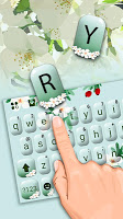 Girly Charming Floral Keyboard Theme
