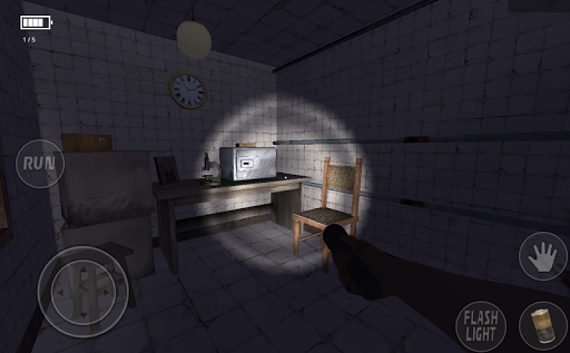 demonic manor- horror survival game screenshot 2