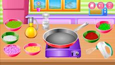 キッチンで調理のおすすめ画像1