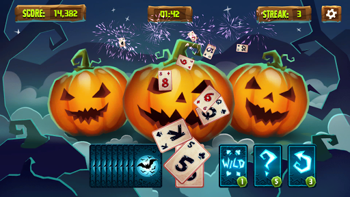 Spooky Solitaire - Halloween Tripeaks 2.1 screenshots 1