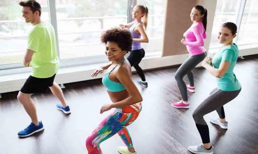 Foto do Slimming Dancing exercises at home