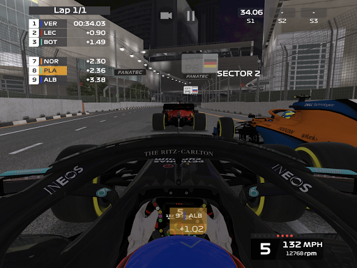 F1 Mobile Racing screenshots 16